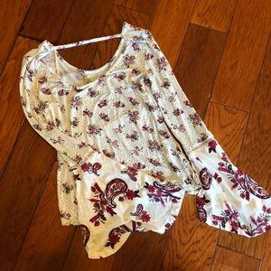 Bell sleeve floral print knit top